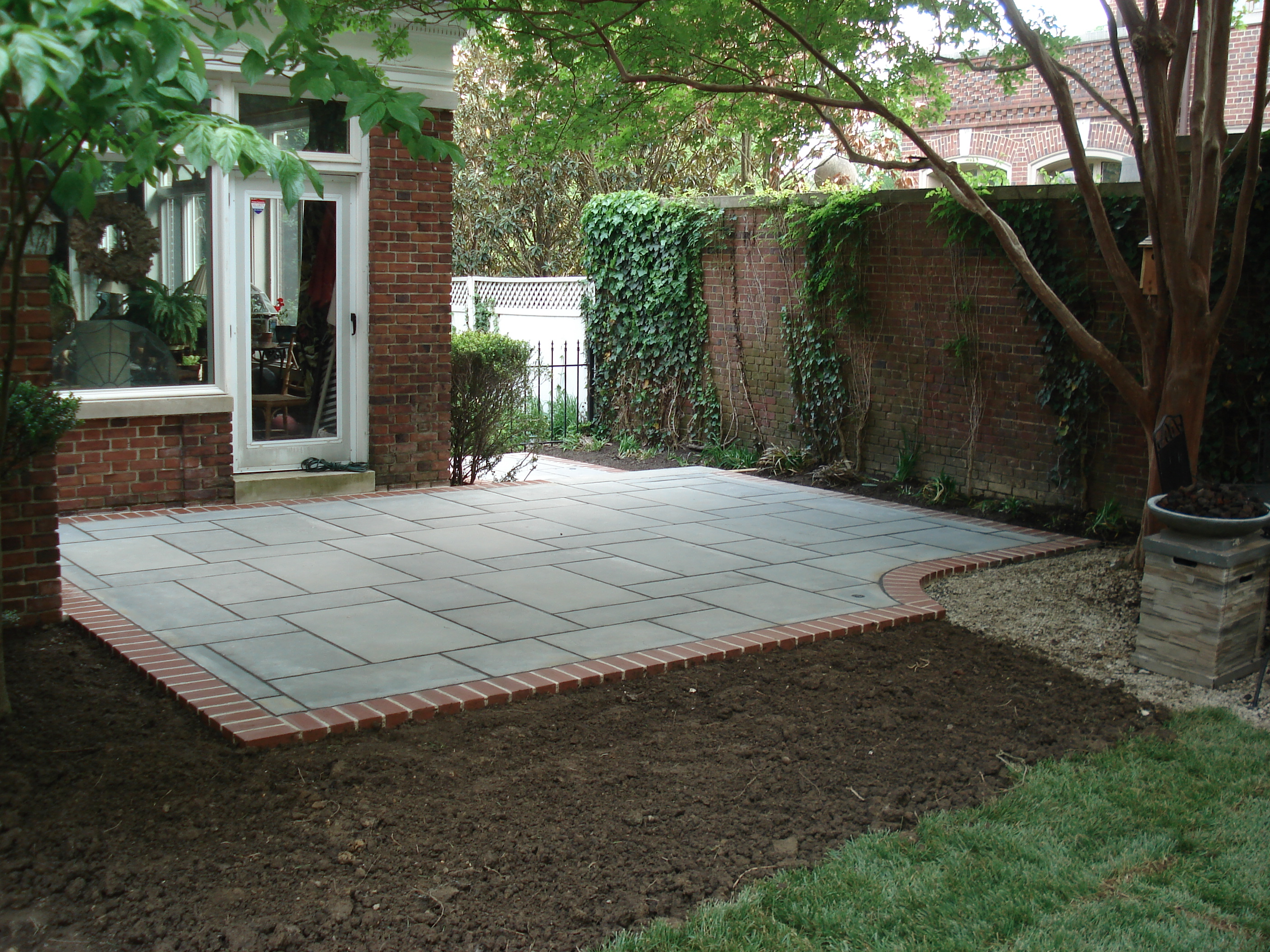 Blue Stone Patio With Brick Edge Course